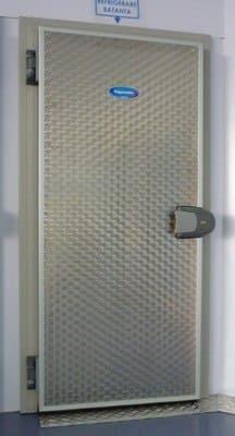 Holodilnye dveri dlya myaso-kompleksov